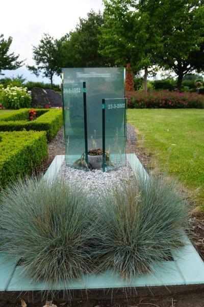 grafsteen van glas